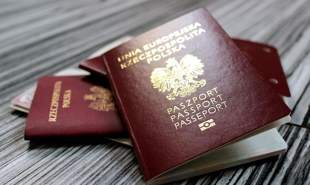 Vietnam Visa For Poland passport